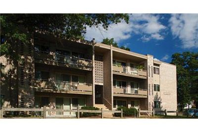 3 bedrooms Apartment - Great Location Very Close To DC National.