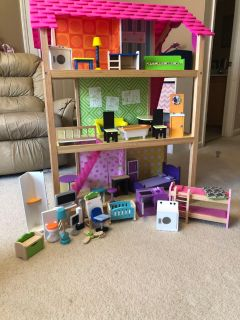 Kidkraft Doll House with furniture!