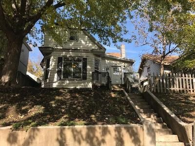 2 Bed 1 Bath Foreclosure Property in Hannibal, MO 63401 - Broadway