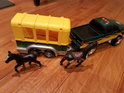 Dodge Road Ripper horse trailer w/lights & 3 noises Used*