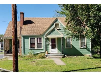3 Bed 1.5 Bath Preforeclosure Property in Strasburg, VA 22657 - Crawford St