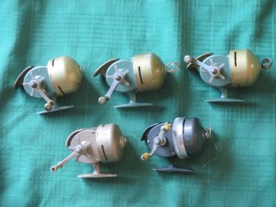 Lot of 5 Shakespeare Wondercast fishing reels