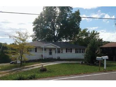 3 Bed 2 Bath Foreclosure Property in Arnold, MO 63010 - Elm Dr