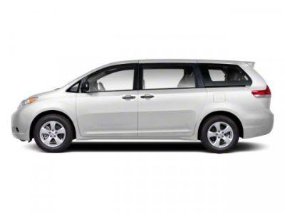 2012 Toyota Sienna LE 8-Passenger (Super White)