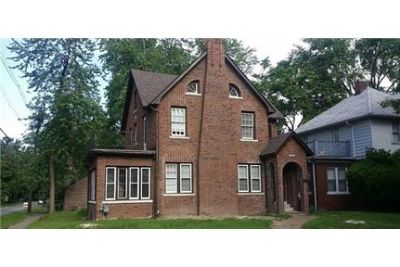 5 bedrooms House - Huntington - Beautiful Brick Victorian Style home. Washer/Dryer Hookups!