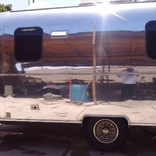 new and vintage trailer polishing