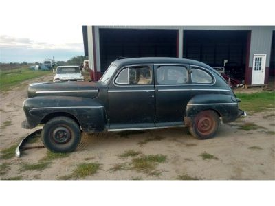 1947 Ford 4-Dr Sedan