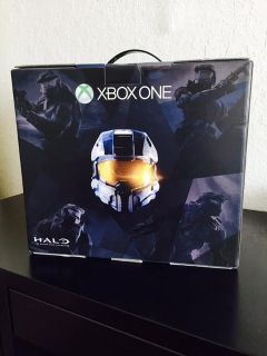 $290, Xbox One 500gbHalo The masterchief collection bundle