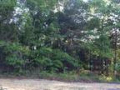 Property is located just outside of Cowpens i...