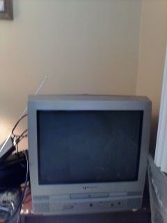 "20"" TV W/BUILT IN DVD PLAYER (Emerson)"