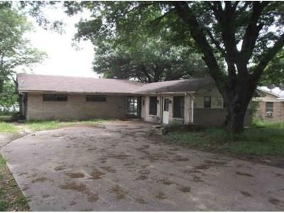 4 Bed 3 Bath Foreclosure Property in Ennis, TX 75119 - Lakeshore Dr
