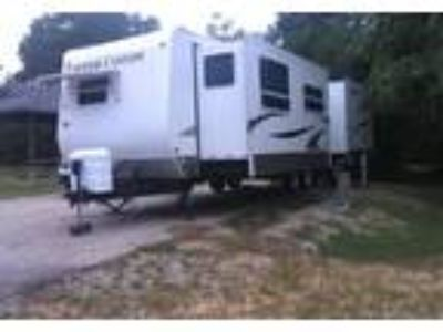 2008 Keystone RV Copper-Canyon Travel Trailer in Grand Prairie, TX