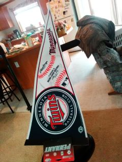 Twins Pennant