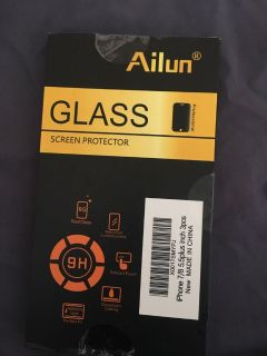 Glass screen protector for iPhones 7/8