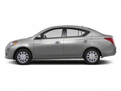 2012 Nissan Versa 1.6 S (Brilliant Silver Metallic)