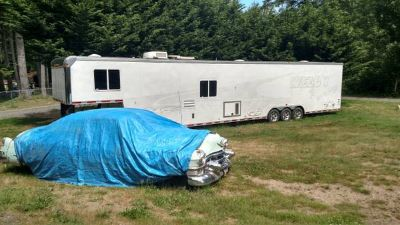 48' enclosed cargo trailer with living quarters