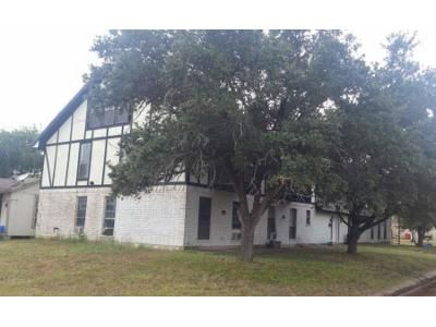 8 Bed 6 Bath Foreclosure Property in Robstown, TX 78380 - Ave C