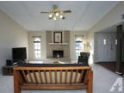 stunning and beautiful house for rent 3 BR 2 BA 2060sqft
