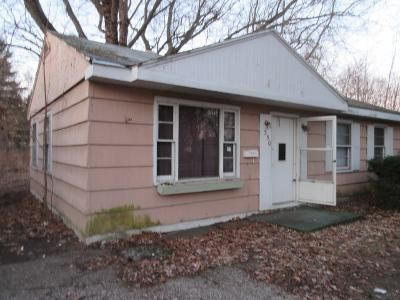 3 Bed 1 Bath Foreclosure Property in Benton Harbor, MI 49022 - Parker Ave
