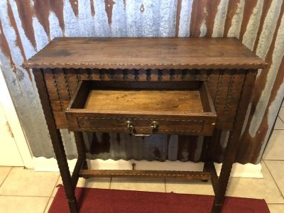 Matching table and shelve