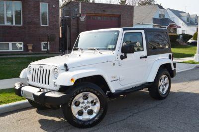 2015 Jeep Wrangler 4WD Sahara 4WD 2dr Sahara (Bright White Clearcoat)
