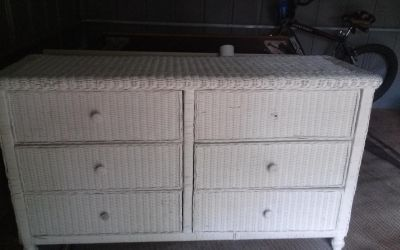 6 drawer white wicker dresser the drawers roll perfect needs one knob replaced