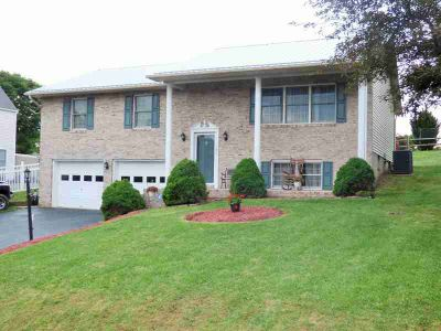 185 Cove Hills Dr Wytheville, Beautiful Four BR Three BA