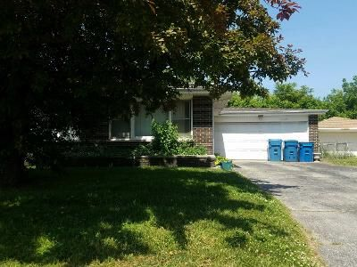 3 Bed 2 Bath Preforeclosure Property in South Holland, IL 60473 - Waterman Dr