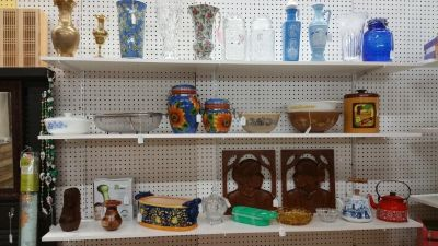 Big Peach Antiques and Collectables