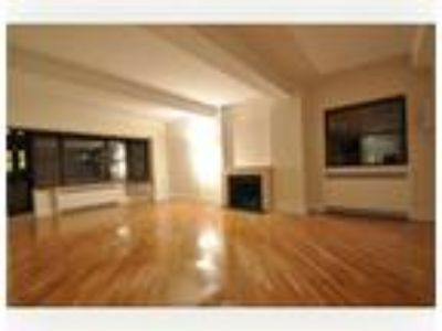 E31 Street/Madison Ave...1800 SF..STEPS FROM EMPIRE ESTATE