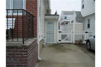 Whole House Rental Excluding Basement. Offstreet parking!