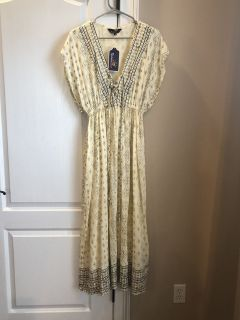 Womens s cream colored bathing suit coverup