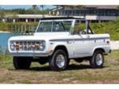 1969 Ford Bronco Sport Wagon 302 V8 4WD