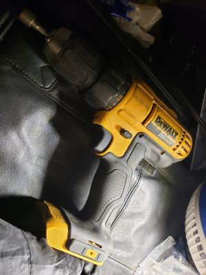 Dewalt 20v drill no battery