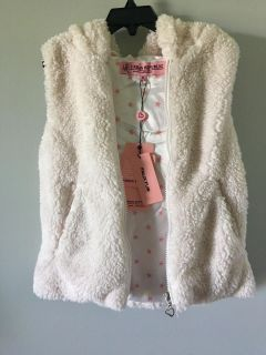 ADORABLE NEW GIRLS VEST by URBAN REPUBLIC SIZE 10-12 . Has a hood . Came from Dillards .