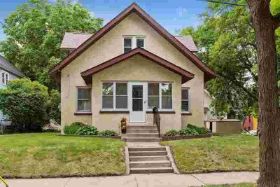 1330 Grand Street NE MINNEAPOLIS Five BR, Highly desired NE Arts