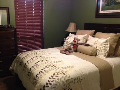 Like New Ahsley Signature Collection Bedroom Set
