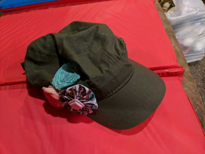 Super cute thirty-one hat