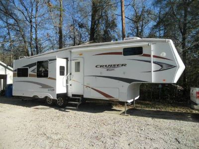 2010 Cruiser by Crossroads 30SK 5th Wheel