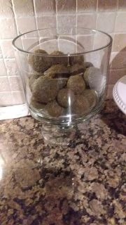 Pampered chef truffle. Comes off base and has a lid. Contents not included
