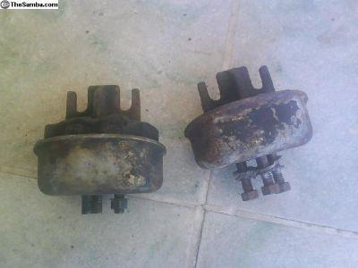 Late model type one transmission mounts