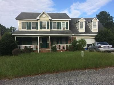 4 Bed 3.5 Bath Foreclosure Property in Hope Mills, NC 28348 - Miranda Dr