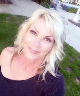 Denise B is looking for a New Roommate in Los Angeles with a budget of $1000.00