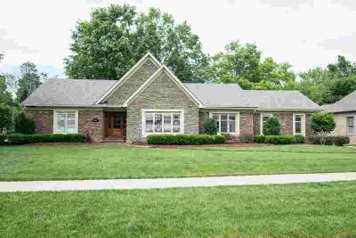 8705 Stockport Rd LOUISVILLE Three BR, Ranch in Oxmoor Woods!