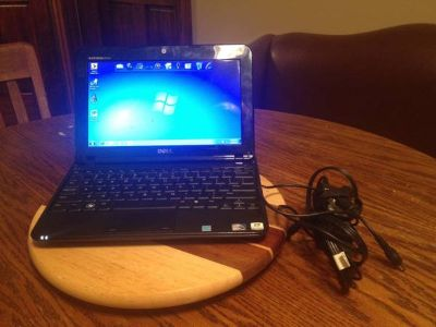 Dell 1012 10.1 Netbook 250gb, Windows7, Cam, WiFi, Sprint