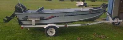 14ft Alumacraft fishing boat with trailer