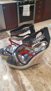 Super cute sandals in excellent condition