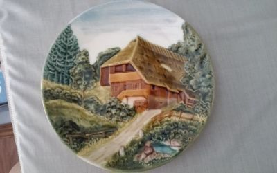 Country House Decorative Plate