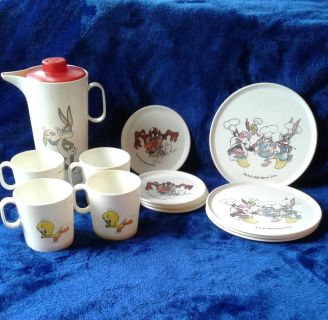 Bugs Bunny & Friends Toy Dish Set