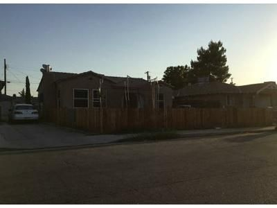 3 Bed 2 Bath Foreclosure Property in Bakersfield, CA 93308 - Francis St